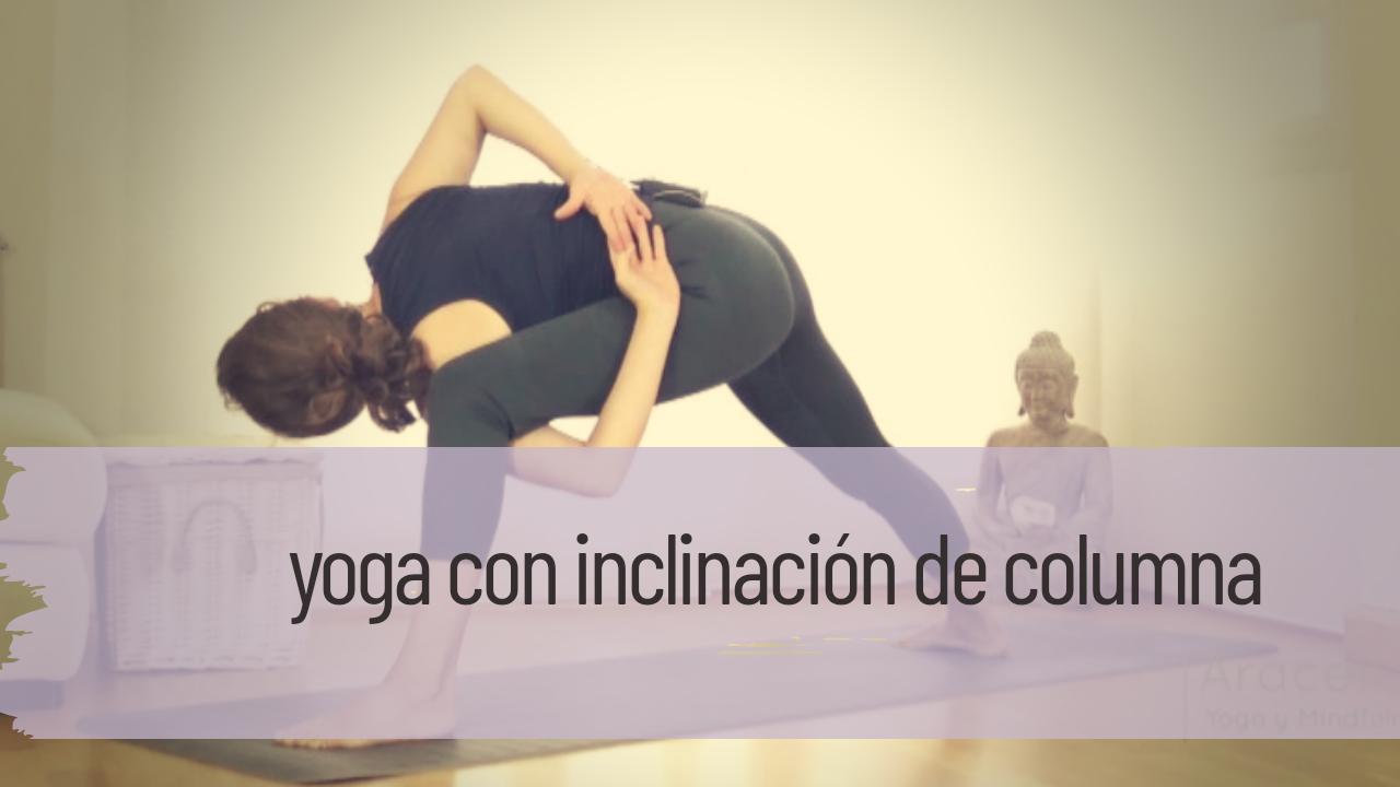 yoga con inclinación de columna